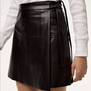Aritzia Wilfred Free Faux Leather Mini Skirt